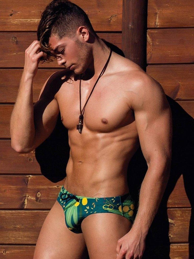 Bikinis y bañadores para ir a la playa o para salir de
